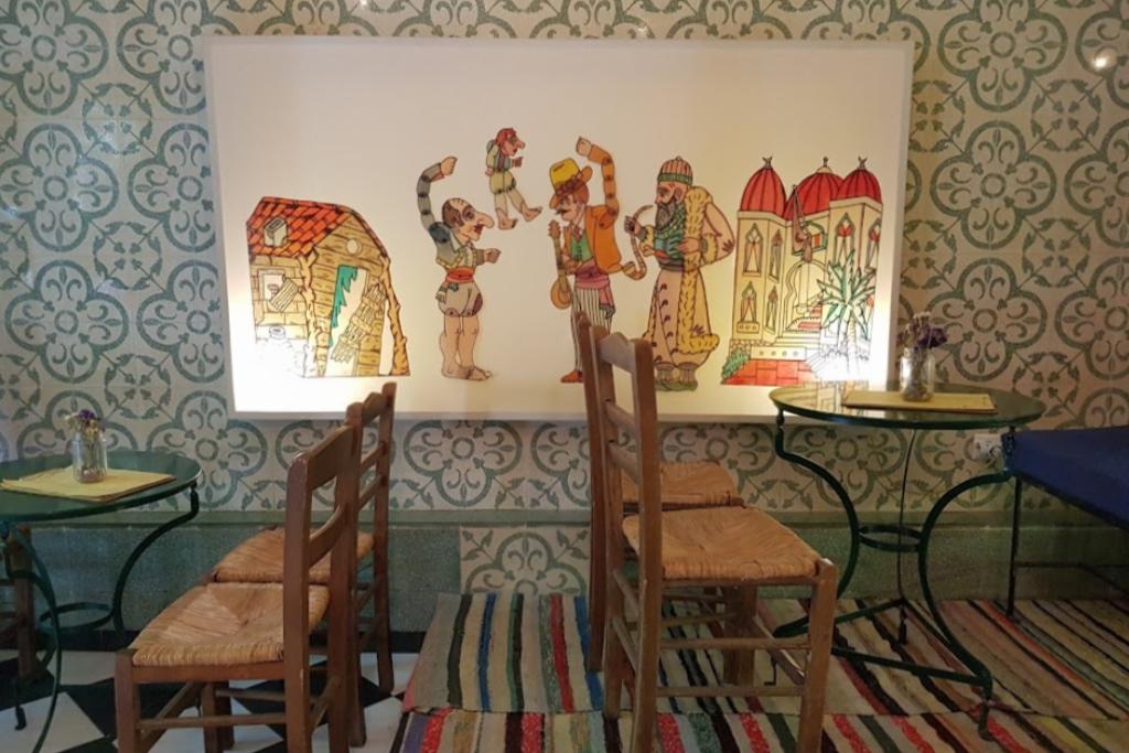 Καραγκιόζης: Το παραδοσιακό brunch στα Εξάρχεια